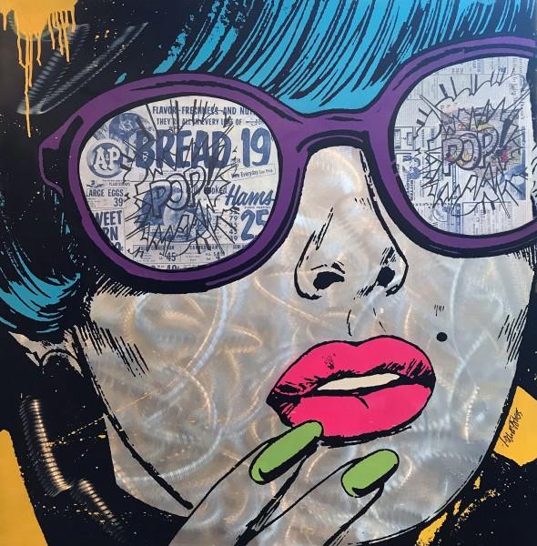 POP ART WOMAN WITH GLASSES - ALUMINIUM